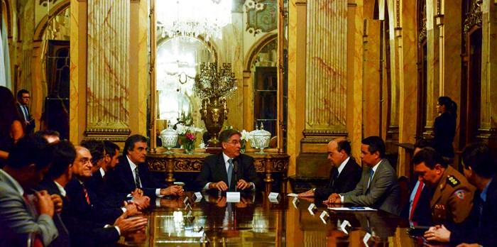 Reunião no Palácio da Liberdade com a presença do ministro da Justiça, José Eduardo Cardozo. – jun.2015