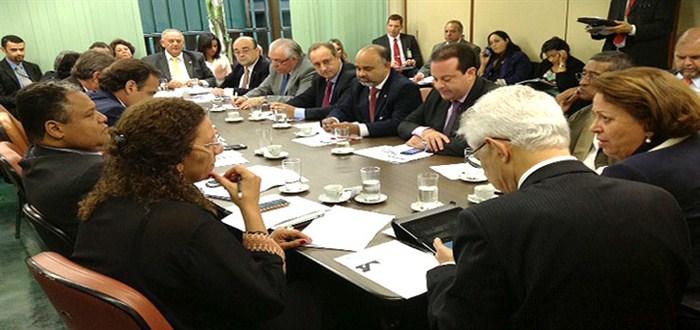 Reunião com a ministra de Relações Institucionais, Ideli Salvatti. - 25/02/14
