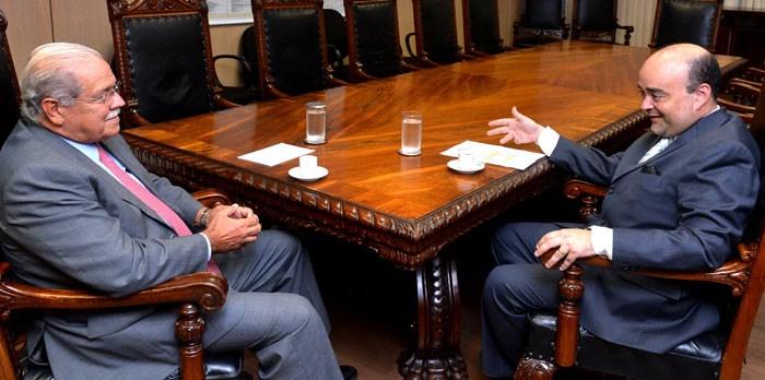 Deputado Bernardo Santana com o ministro dos Transportes, César Borges. – 10/03/14