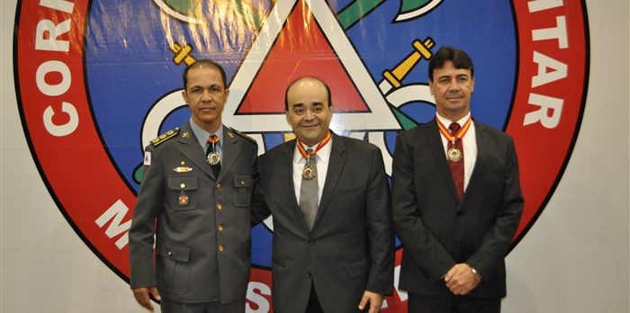 Recebimento da Medalha da Ordem do Mérito Imperador D. Pedro II, pelo Corpo de Bombeiros. 02/07/2015