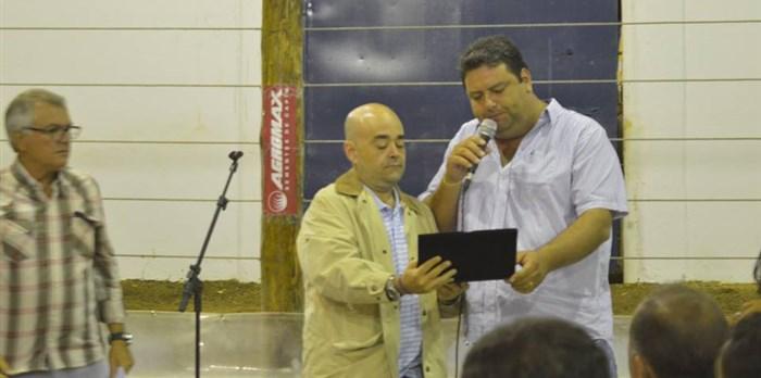 Homenagem da Prefeitura de Pedra Azul por seu trabalho em prol do agronegócio. - 28/05/16