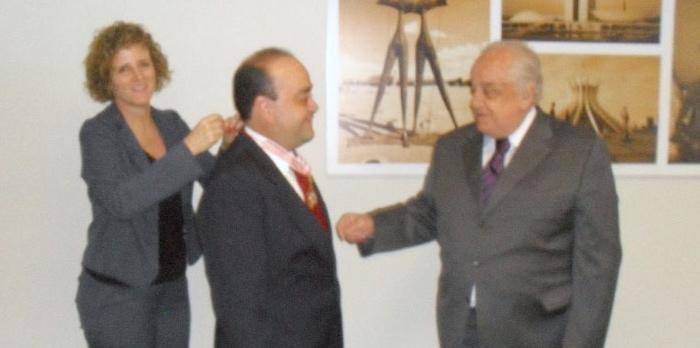Governo de Minas confere ao deputado Bernardo a Grande Medalha da Inconfidência 2011 (promoção).