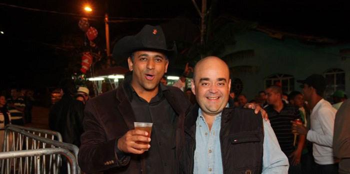 Deputado Bernardo Santana com o amigo Daniel Fest, em Nova União.