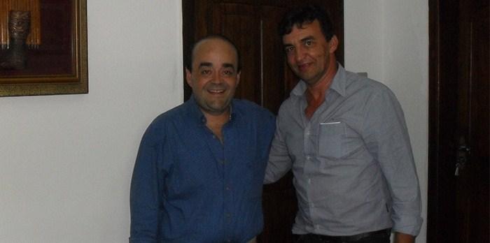 Bernardo Santana com a grande liderança de Novo Cruzeiro, Jason. Foi prefeito da cidade por dois mandatos consecutivos.