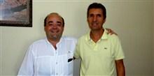Bernardo Santana com o amigo João Carlos, de Berizal, quando da sua visita a Taiobeiras. - jan. 2014.