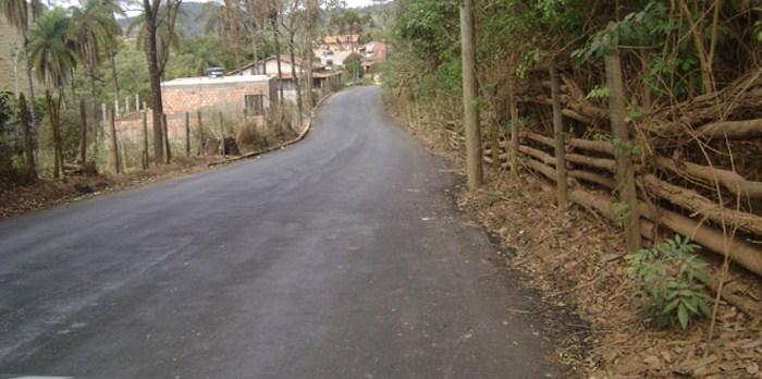 Começam as obras na estrada do Carmo