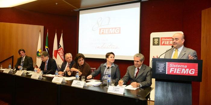 Bernardo Santana marca presença no lançamento de ações para a promoção do carvão vegetal
